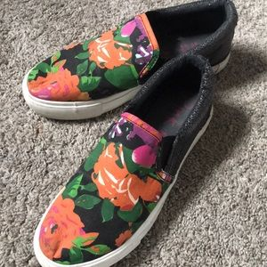 Pink & Pepper black and floral slip on sneakers